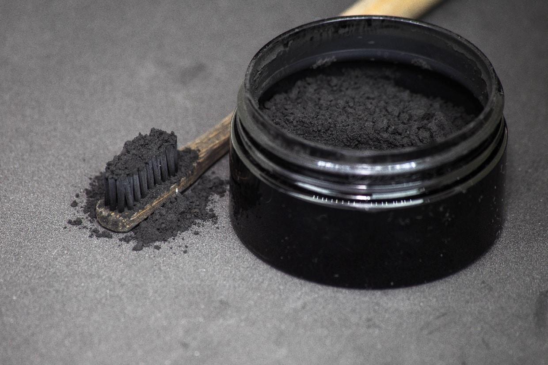charbon actif de noix de coco - 1001 vertus